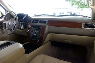 2011 Chevrolet Tahoe LT * 1-OWNER * 20's * Pwr Gate * HTD SEATS * QUADS Plano, Texas 9