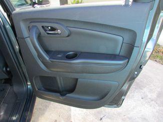 2011 Chevrolet Traverse LT, 3rd Row! Clean CarFax! New Orleans, Louisiana 19