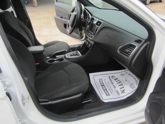 2011 Chrysler 200 Touring Houston, Mississippi 8
