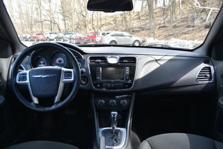 2011 Chrysler 200 Touring Naugatuck, Connecticut 11