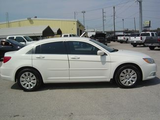 2011 Chrysler 200 LX San Antonio, Texas 4