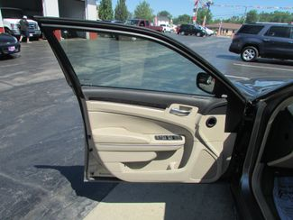 2011 Chrysler 300 Limited Fremont, Ohio 5
