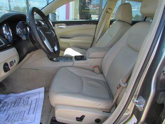 2011 Chrysler 300 Limited Fremont, Ohio 6