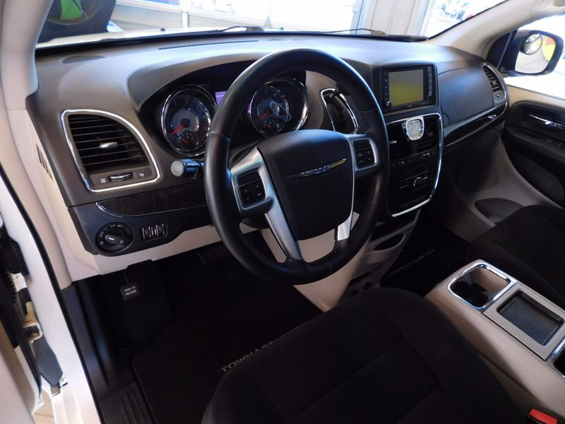 2011 Chrysler Town  Country Touring  city TN  Doug Justus Auto Center Inc  in Airport Motor Mile ( Metro Knoxville ), TN