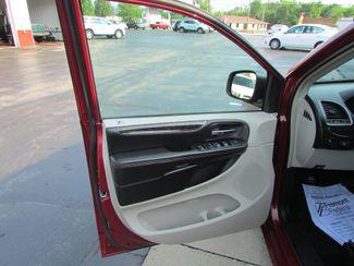 2011 Chrysler Town & Country Touring Fremont, Ohio 5