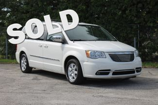 2011 Chrysler Town & Country Touring-L Hollywood, Florida
