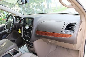 2011 Chrysler Town & Country Touring-L Hollywood, Florida 24