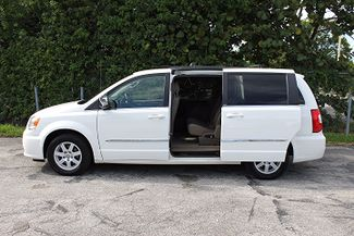 2011 Chrysler Town & Country Touring-L Hollywood, Florida 28