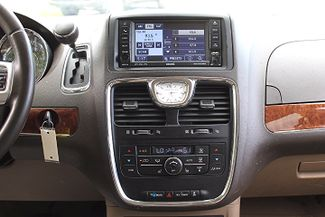 2011 Chrysler Town & Country Touring-L Hollywood, Florida 19