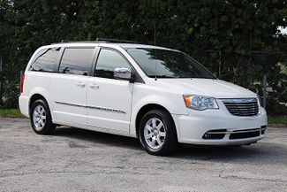 2011 Chrysler Town & Country Touring-L Hollywood, Florida 26