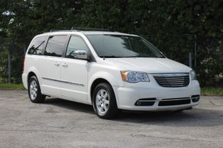 2011 Chrysler Town & Country Touring-L Hollywood, Florida 1