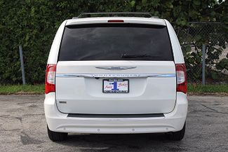 2011 Chrysler Town & Country Touring-L Hollywood, Florida 6