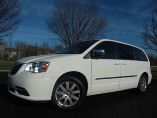 2011 Chrysler Town & Country Touring-L Leesburg, Virginia