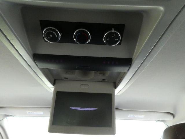 2011 Chrysler Town & Country Touring-L Leesburg, Virginia 34