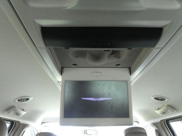 2011 Chrysler Town & Country Touring-L Leesburg, Virginia 36