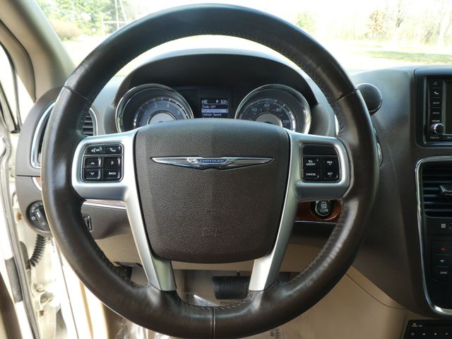 2011 Chrysler Town & Country Touring-L Leesburg, Virginia 20