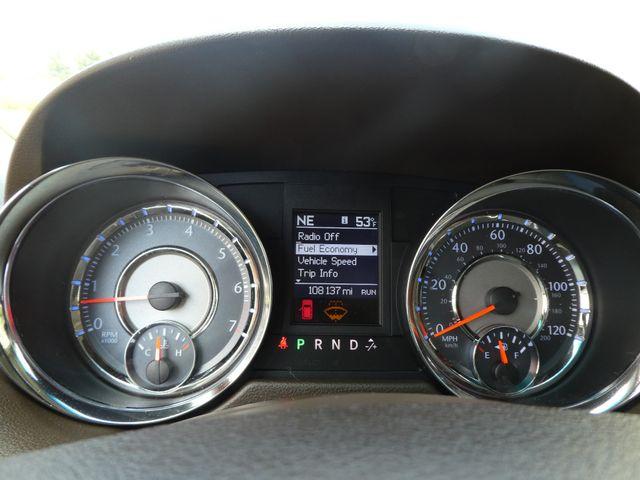 2011 Chrysler Town & Country Touring-L Leesburg, Virginia 23