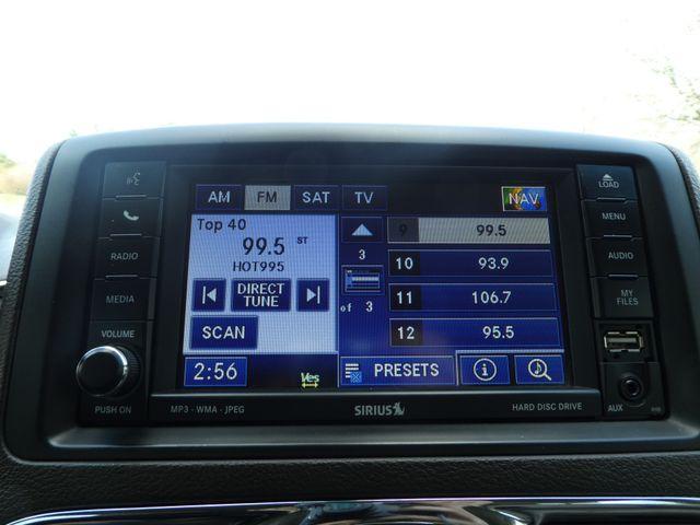 2011 Chrysler Town & Country Touring-L Leesburg, Virginia 28
