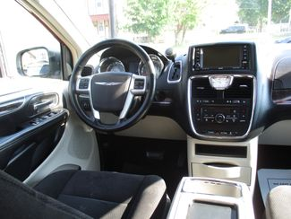 2011 Chrysler Town & Country Touring Milwaukee, Wisconsin 12