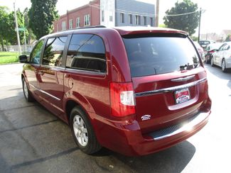 2011 Chrysler Town & Country Touring Milwaukee, Wisconsin 5