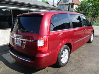 2011 Chrysler Town & Country Touring Milwaukee, Wisconsin 3