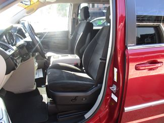 2011 Chrysler Town & Country Touring Milwaukee, Wisconsin 7