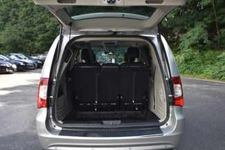 2011 Chrysler Town & Country Touring-L Naugatuck, Connecticut 11