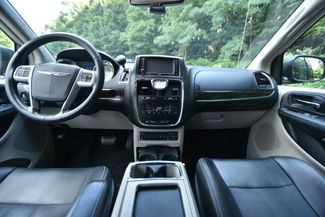2011 Chrysler Town & Country Touring-L Naugatuck, Connecticut 15