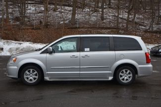 2011 Chrysler Town & Country Touring Naugatuck, Connecticut 1
