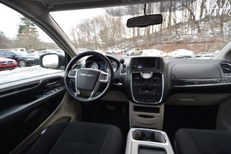 2011 Chrysler Town & Country Touring Naugatuck, Connecticut 16