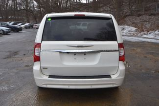 2011 Chrysler Town & Country Touring Naugatuck, Connecticut 3