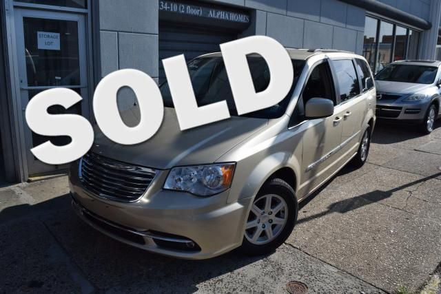 2011 Chrysler Town & Country Touring Richmond Hill, New York 0