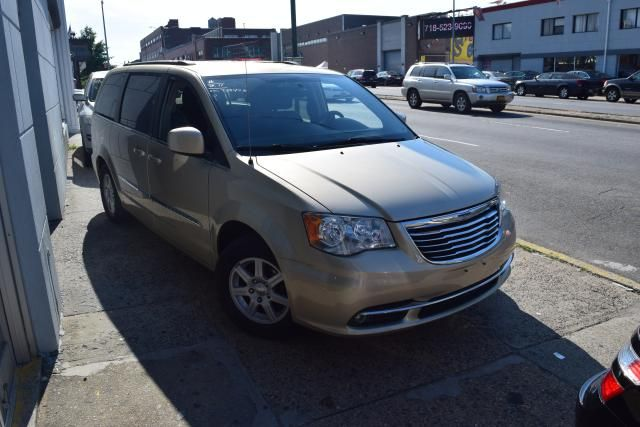 2011 Chrysler Town & Country Touring Richmond Hill, New York 1