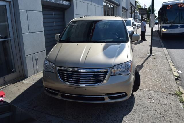 2011 Chrysler Town & Country Touring Richmond Hill, New York 2