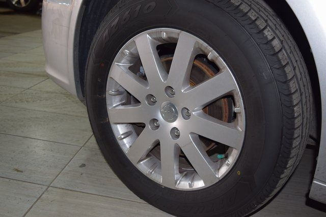 2011 Chrysler Town & Country Touring-L Richmond Hill, New York 24