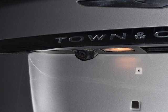 2011 Chrysler Town & Country Touring-L Richmond Hill, New York 27