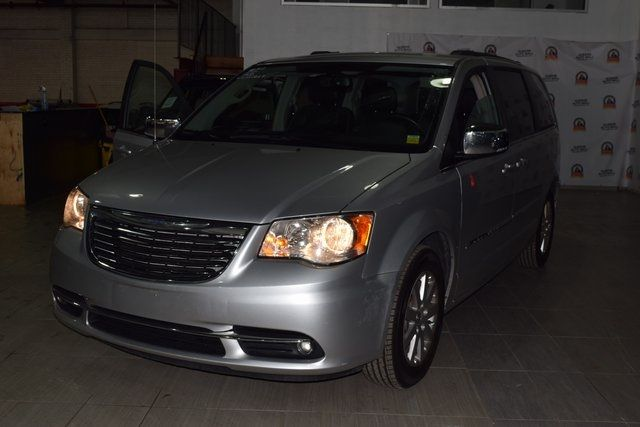 2011 Chrysler Town & Country Touring-L Richmond Hill, New York 29