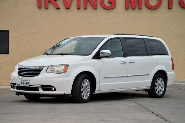 2011 Chrysler Town & Country Touring-L San Antonio , Texas 1