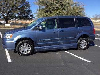 2011 Chrysler Town & Country Handicap Van Sulphur Springs, Texas