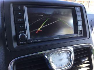 2011 Chrysler Town & Country Handicap Van Sulphur Springs, Texas 13