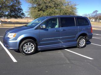 2011 Chrysler Town & Country Handicap Van Sulphur Springs, Texas 19