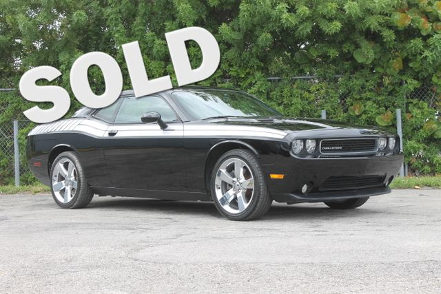 2011 Dodge Challenger  WARRANTY CARFAX CERTIFIED 22 SERVICE RECORDS FLORIDA VEHICLE TRADES