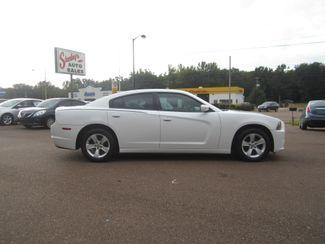 2011 Dodge Charger SE Batesville, Mississippi 3