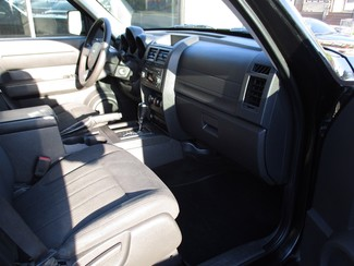 2011 Dodge Nitro Heat Milwaukee, Wisconsin 17