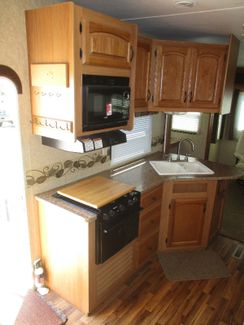 2011 Dutchmen Coleman 325RL  city Florida  RV World of Hudson Inc  in Hudson, Florida