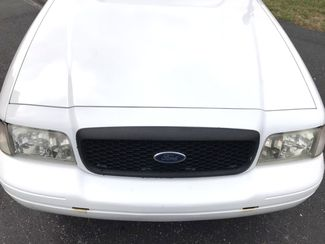 2011 Ford-2 Owner! Police Edition!! Crown Victoria-BUY HERE PAY HERE! LX-CARMARTSOUTH.COM Knoxville, Tennessee 1