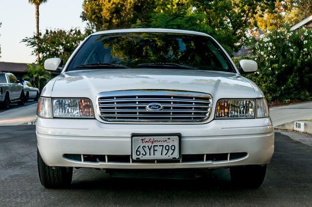 2011 Ford Crown Victoria LX - 82K MILES - LEATHER - ALLOY WHEELS Reseda, CA 2