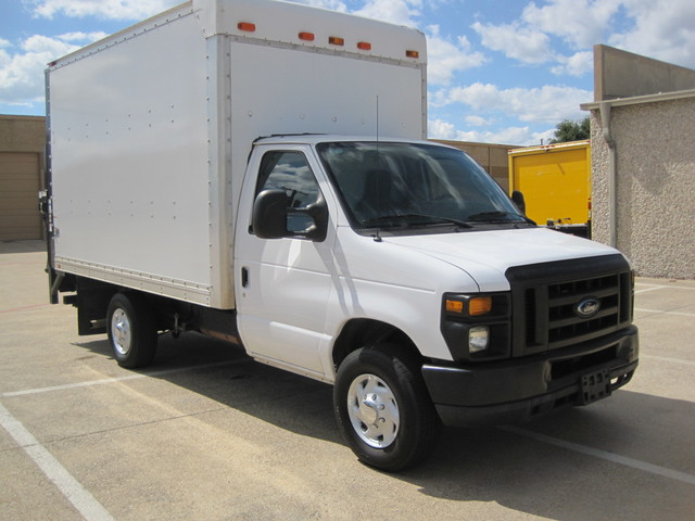 2011 Ford E350 SRW Box van 1 Owner, Lift Gate, Low Miles Plano, Texas 0
