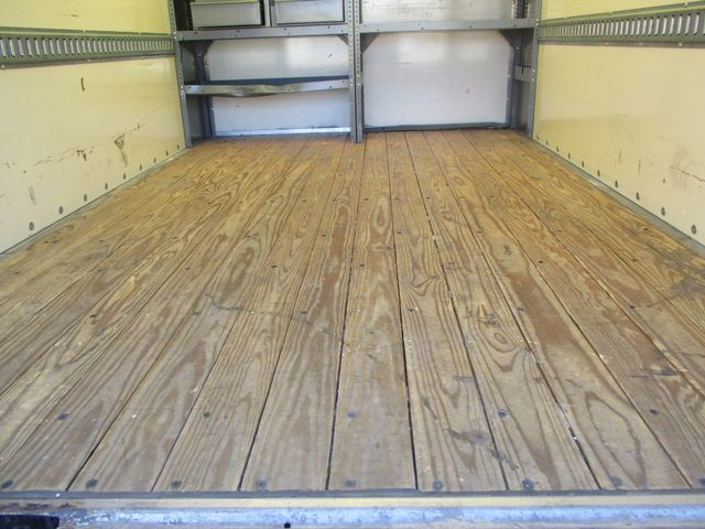2011 Ford E-Series Cutaway Box Van w/Lift Plano, Texas 9