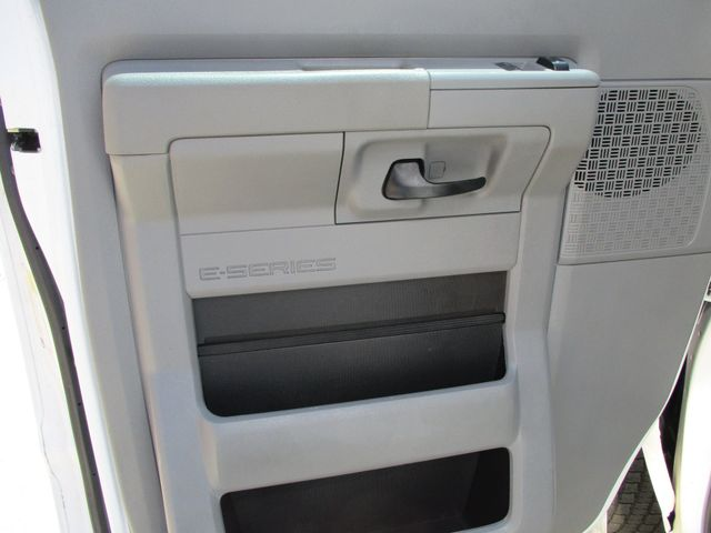 2011 Ford E-Series Cutaway Box Van w/Lift Plano, Texas 15